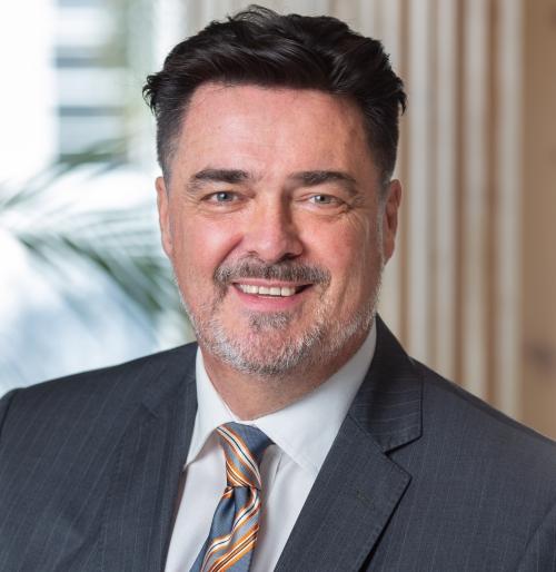 headshot of Dr Matt Glenn